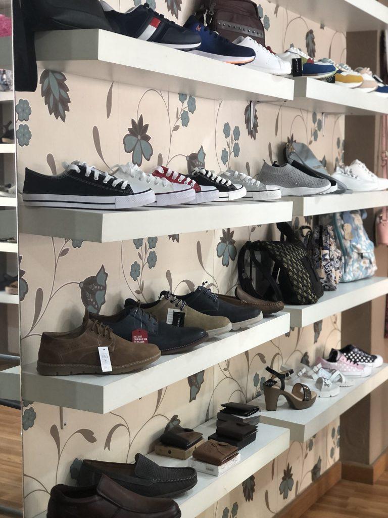 Interior tienda Romasanta 2